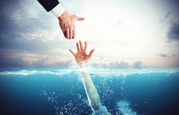 """""""נכנסים אתכם תחת האלונקה"""": הכירו את עורכי הדין שנותנים תקווה לבעלי חוב"""